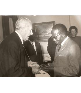 SENGHOR Léopold Sedar, poète, premier président de la République du Sénégal (G 4973)